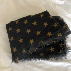 Gray scarf with gold stars